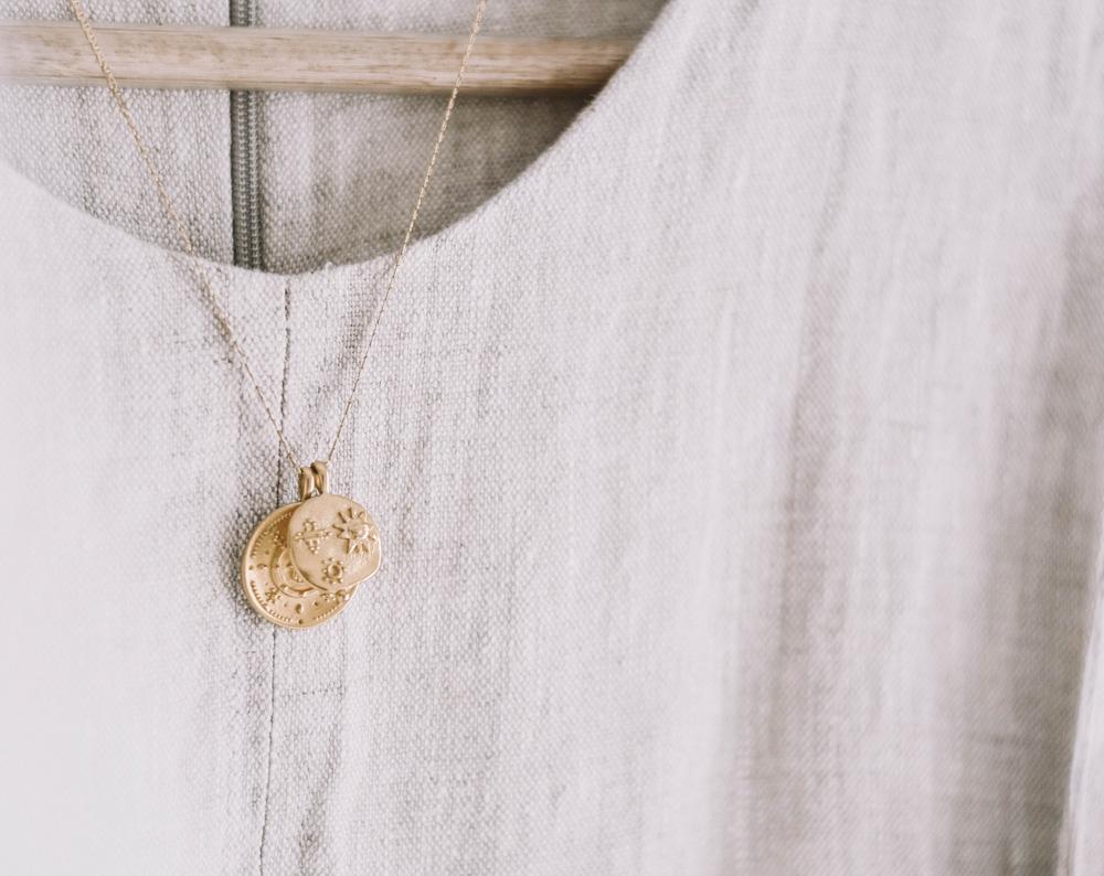 slow fashion - comment prendre le temps de se construire sa garde-robe sur-mesure qui va durer dans le temps